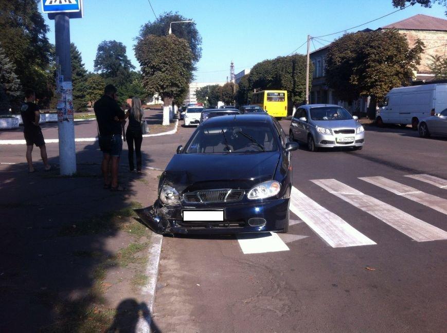 На проспекте Пелина в Днепродзержинска случилось ДТП (фото) - фото 2