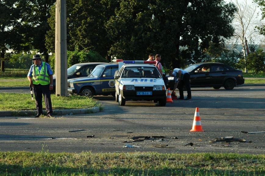 В Запорожье пьяный водитель протаранил грузовик возле ДнепроГЭС (ФОТО), фото-6