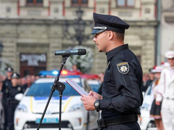 Нова патрульна поліція у Львові. Перший тиждень роботи (фото) - фото 1