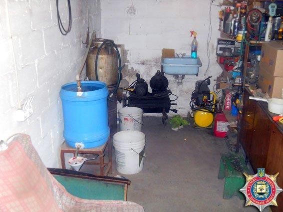 В Волновахе милиционеры «накрыли» подпольный самогонный цех (фото) - фото 1