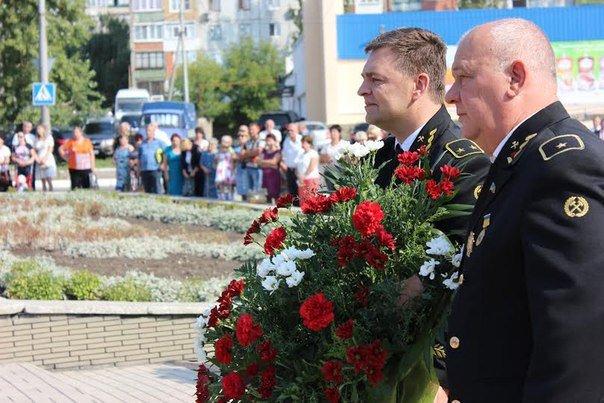 Фотофакт. В Макеевке возложили цветы к Мемориалу подвигу шахтеров (фото) - фото 3