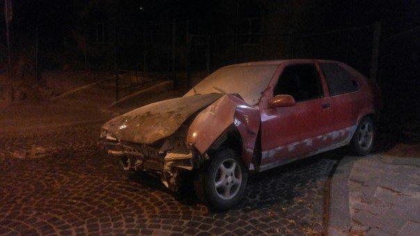 Нічне ДТП у Львові: зіштовхнулись дві іномарки (ФОТО) (фото) - фото 1
