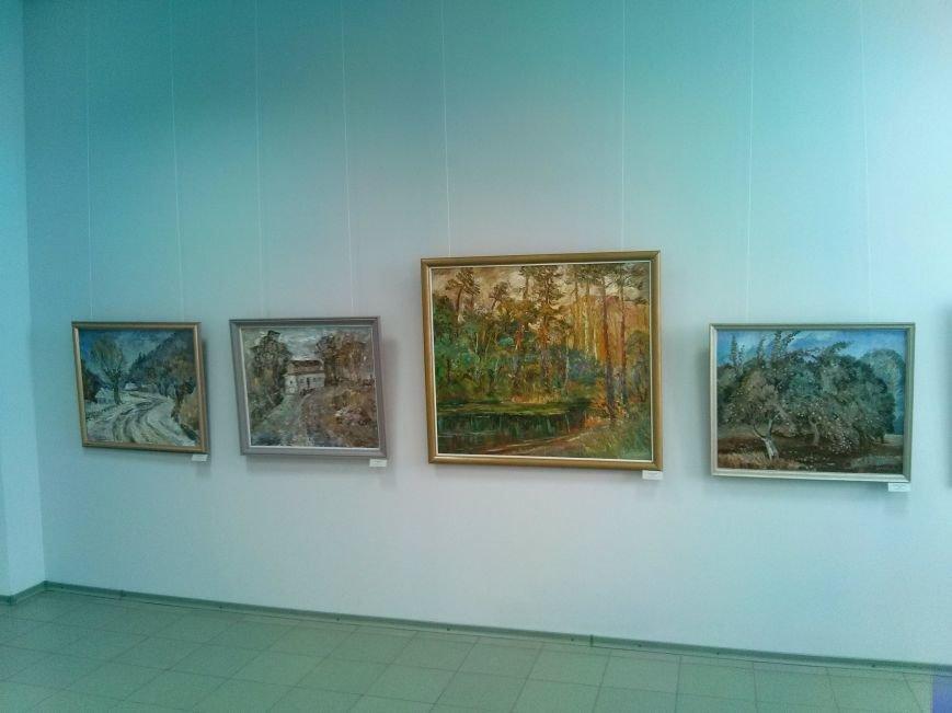 В Мариуполе открылась выставка художника, получившего награду от президента Египта за службу в горячей точке (ФОТО) (фото) - фото 6