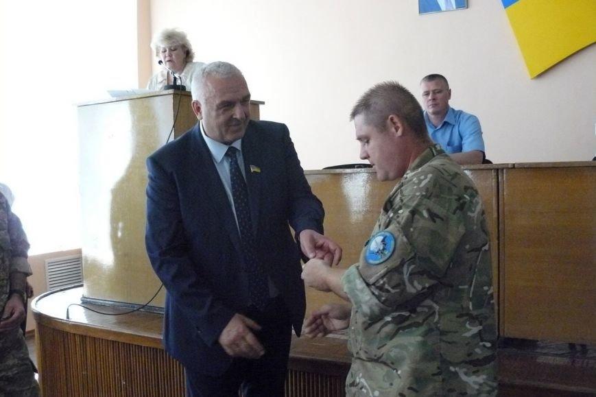 Житель села Радушное Анатолий Иванов, героически погибший в зоне АТО, награжден орденом «За мужество» (фото) - фото 1