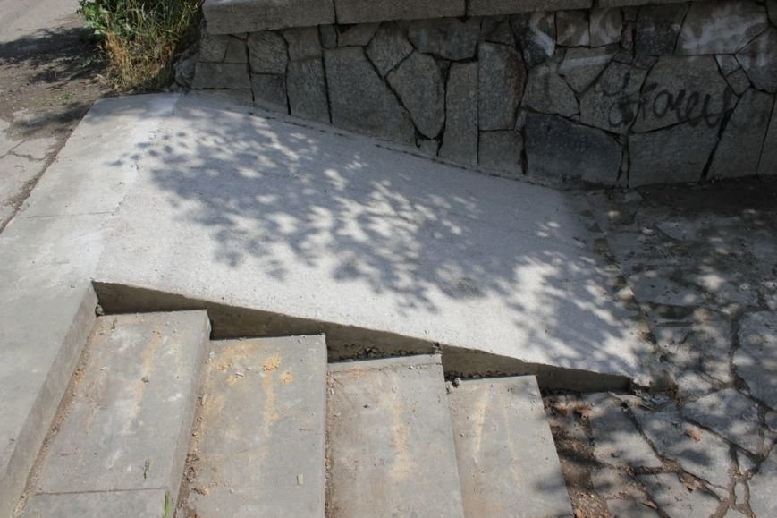 Сквер Центрального парка культуры и отдыха Симферополя привели в порядок (ФОТО) (фото) - фото 7