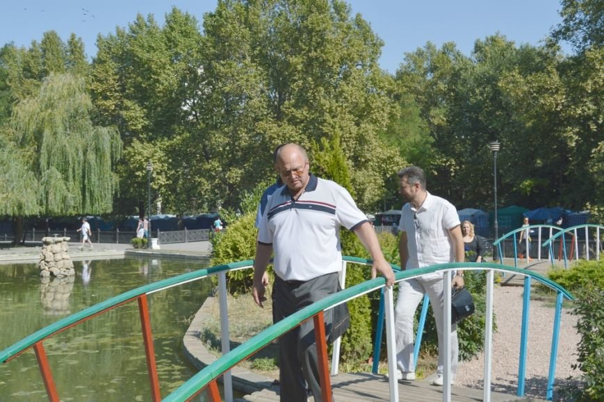 Сквер Центрального парка культуры и отдыха Симферополя привели в порядок (ФОТО) (фото) - фото 9