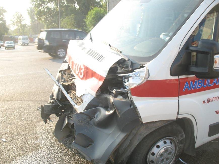 ДТП в Днепропетровске: маршрутка врезалась в скорую помощь (ФОТО), фото-3