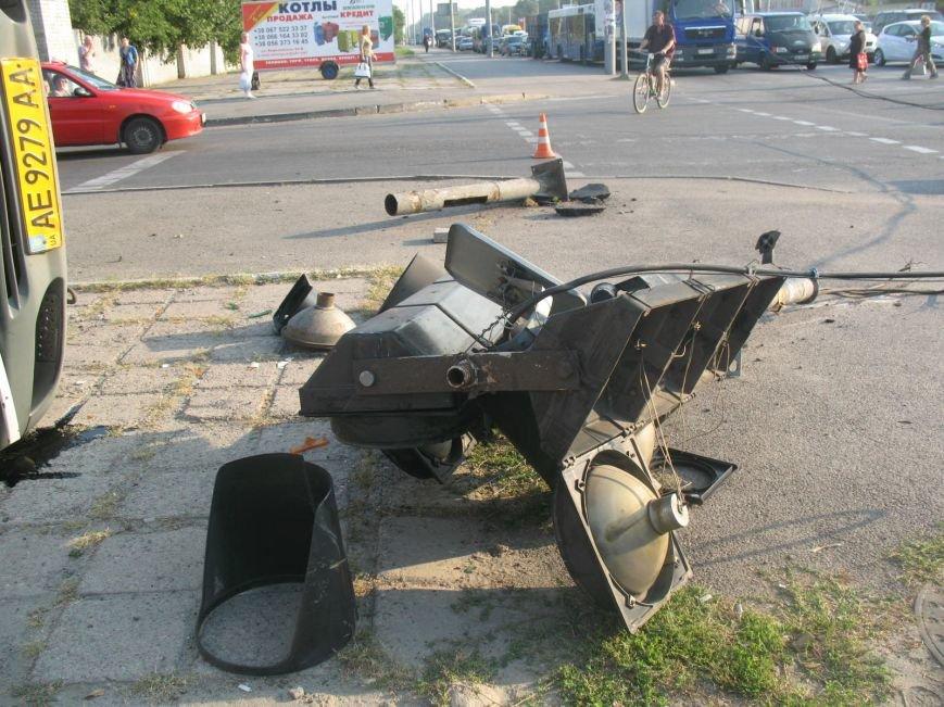 ДТП в Днепропетровске: маршрутка врезалась в скорую помощь (ФОТО), фото-8