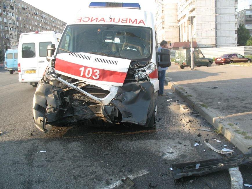 ДТП в Днепропетровске: маршрутка врезалась в скорую помощь (ФОТО), фото-6