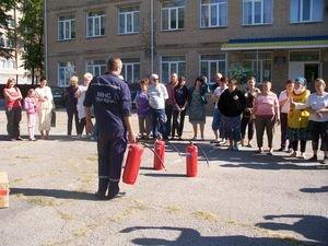 Славянские спасатели провели беседы по предупреждению пожаров (фото) - фото 1