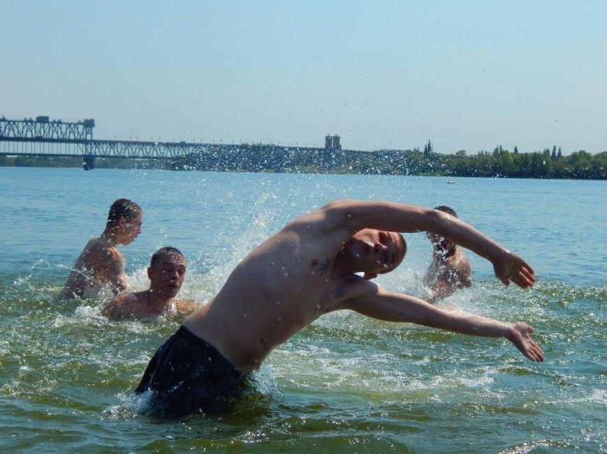 Ребят из Кременчугской воспитательной колонии сводили на экскурсию по городу и на центральный пляж (ФОТО) (фото) - фото 1