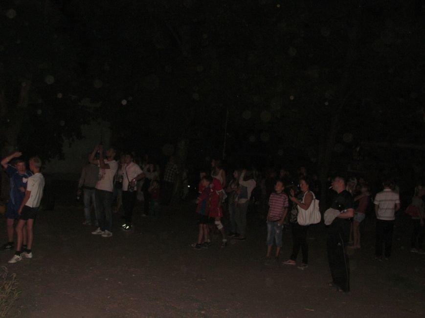 В Мариуполе простились с летом 7 метровым костром (ФОТО), фото-5