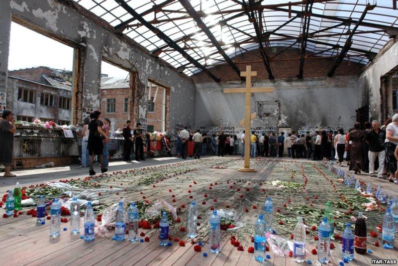 Сегодня исполняется 11 лет со дня террористического захвата в школе Беслана (фото) - фото 2