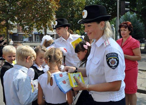 Полтавські ДАІшники пояснили учням ПДД (фото) - фото 1