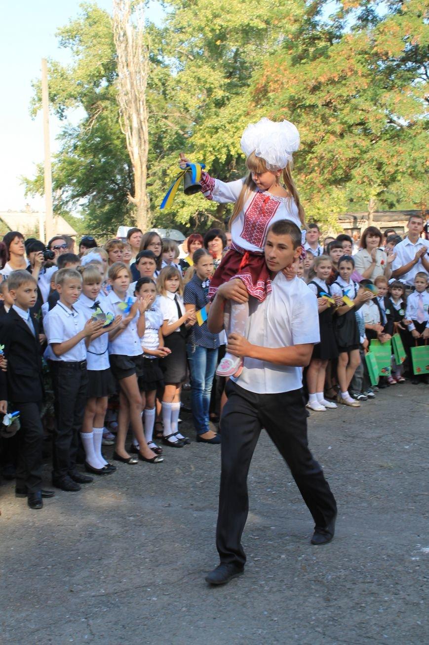 Часовоярских школьников поздравить с началом учебного года приехал мэр Артемовска, фото-9