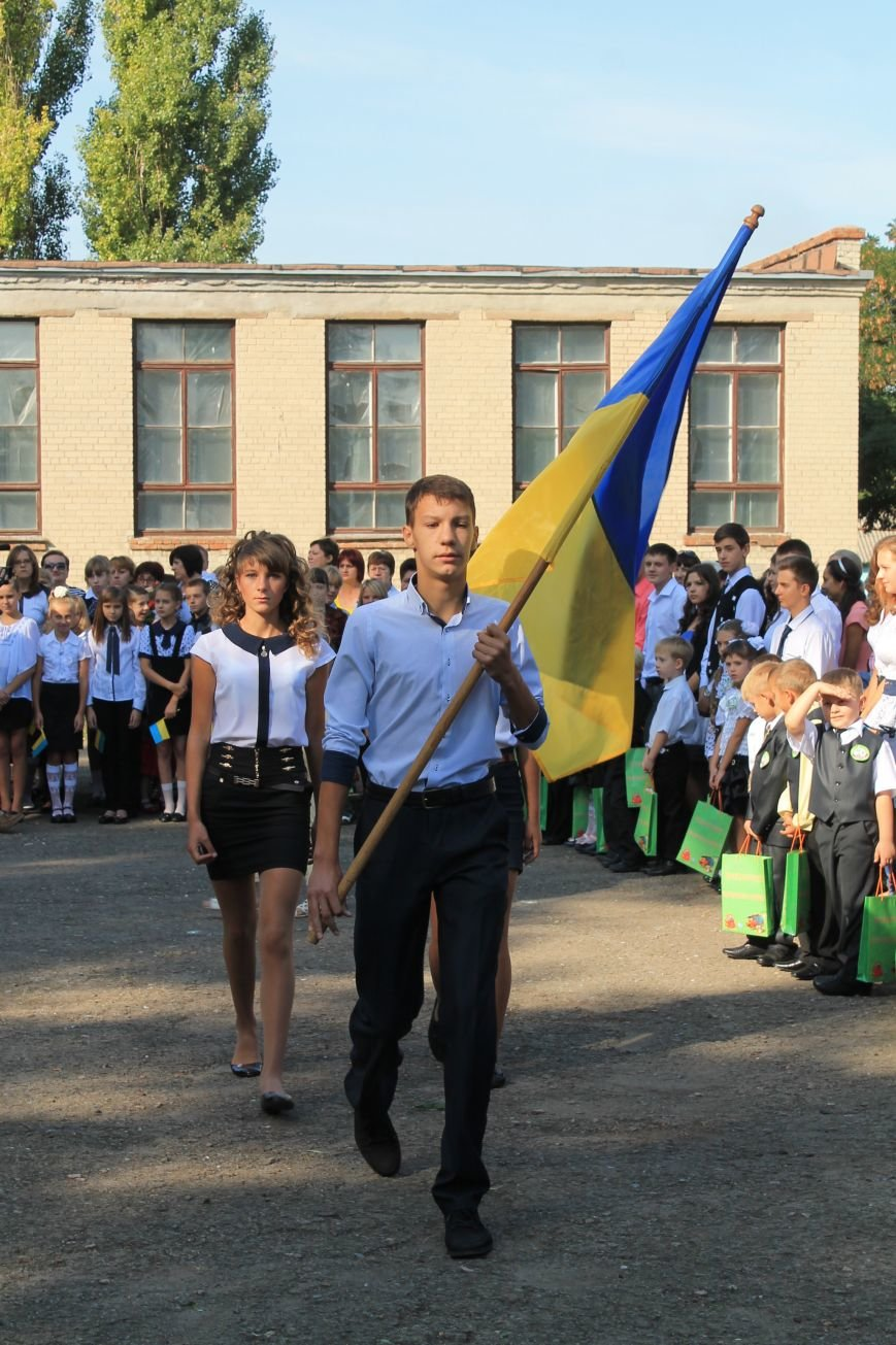 Часовоярских школьников поздравить с началом учебного года приехал мэр Артемовска, фото-10
