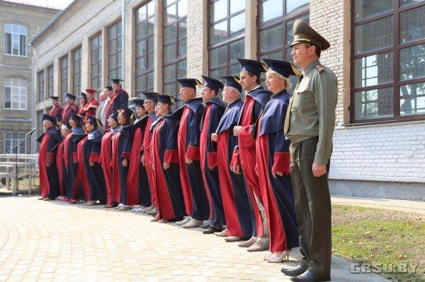 В ГрГУ им Купалы появилась площадь университетского флага (фото) - фото 1