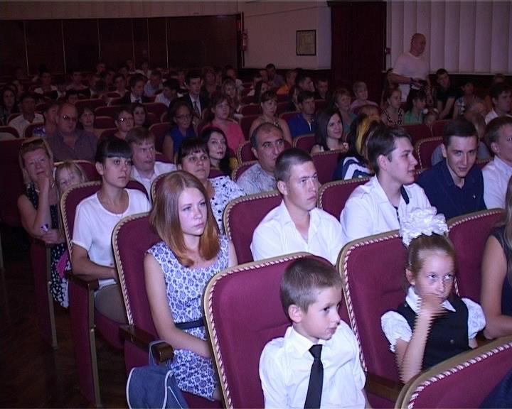 АМТИ традиционно отметил День знаний в драмтеатре (фото) - фото 1