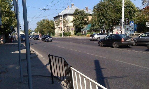 На вулиці Кульпарківській у Львові сталась ДТП (ФОТО+ВІДЕО) (фото) - фото 1