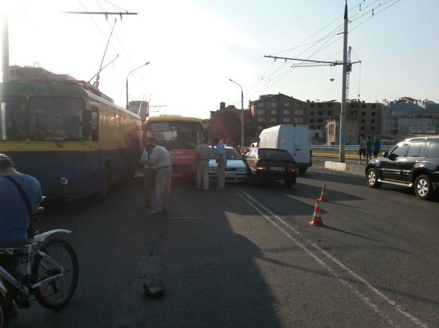 Маштабне ДТП на мості по вулиці Незалежності (ФОТО), фото-3