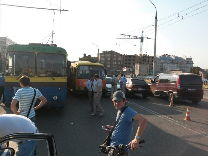 Маштабне ДТП на мості по вулиці Незалежності (ФОТО), фото-8