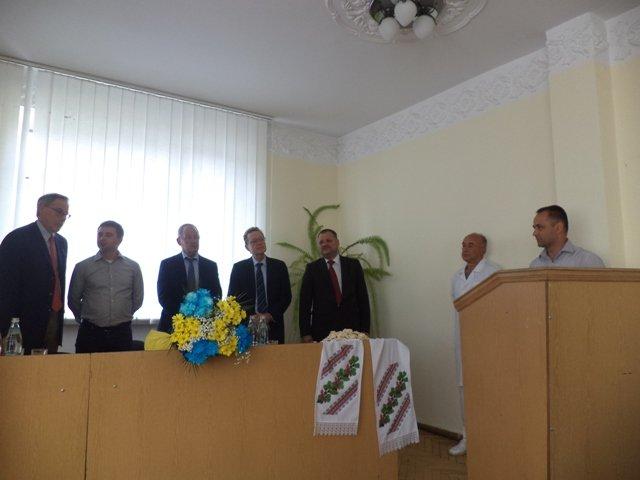 Пологовому відділенню Сарненської райлікарні презентували обладнання на 30 тисяч євро (фото) - фото 1