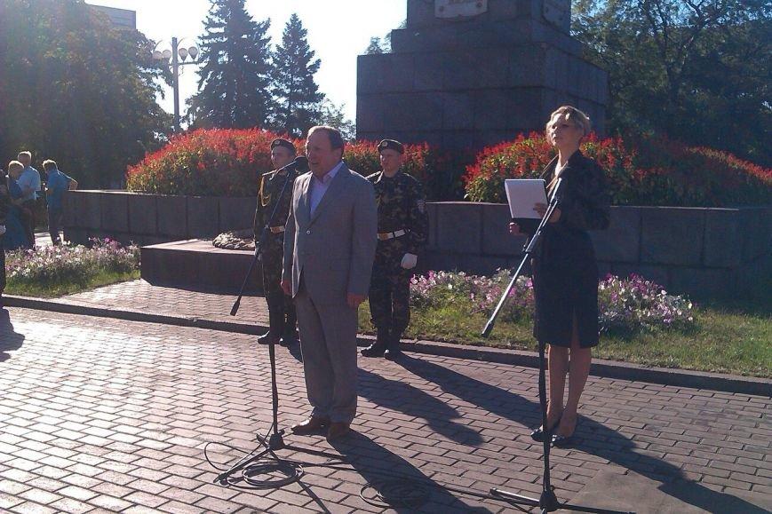В Днепродзержинске состоялся митинг, посвященный 70-летию окончания Второй мировой войны (фото) - фото 1