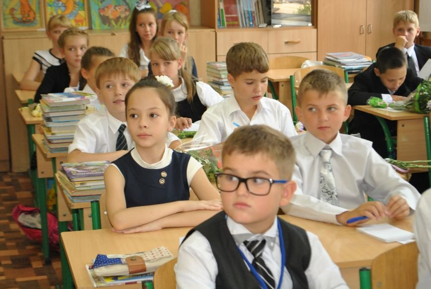 Александр Богуслаев заменил окна в двух запорожских школах (фото) - фото 4