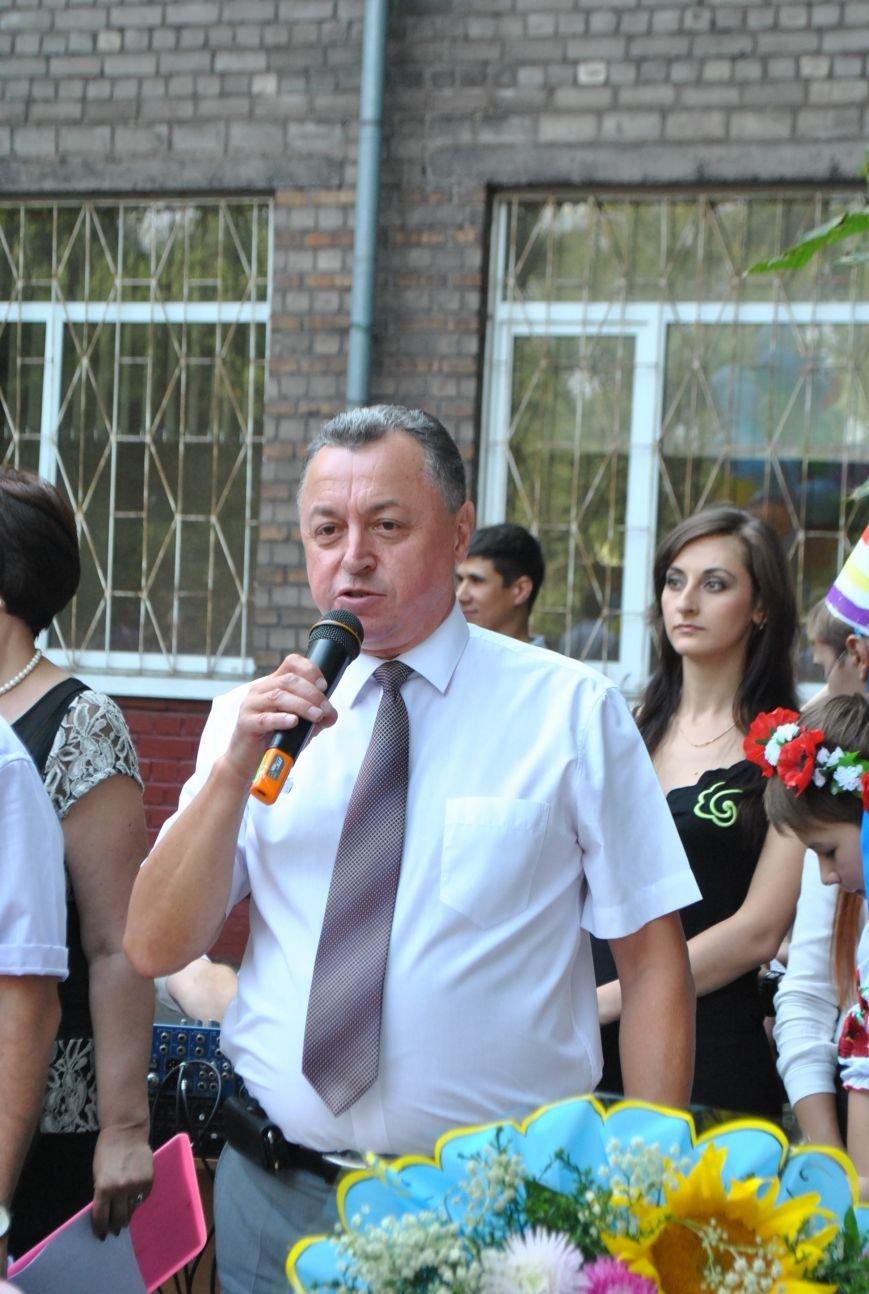 Александр Богуслаев заменил окна в двух запорожских школах (фото) - фото 2