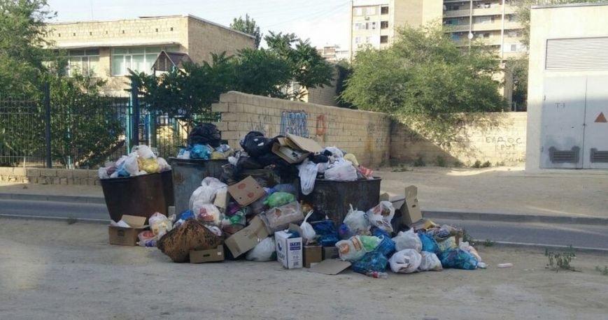 ТОО «Caspiy Operating» просит жителей Актау сообщать о неубранном мусоре (фото) - фото 5