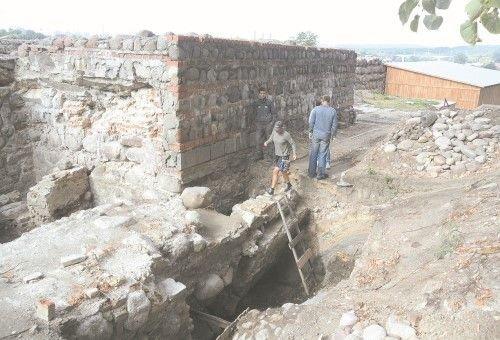 Старый замок нуждается в срочной реконструкции, а выделенных денег хватило только на разработку проекта (фото) - фото 2