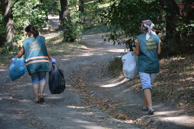Парк Шіллера у Чернівцях забруднюють місцеві жителі, фото-3