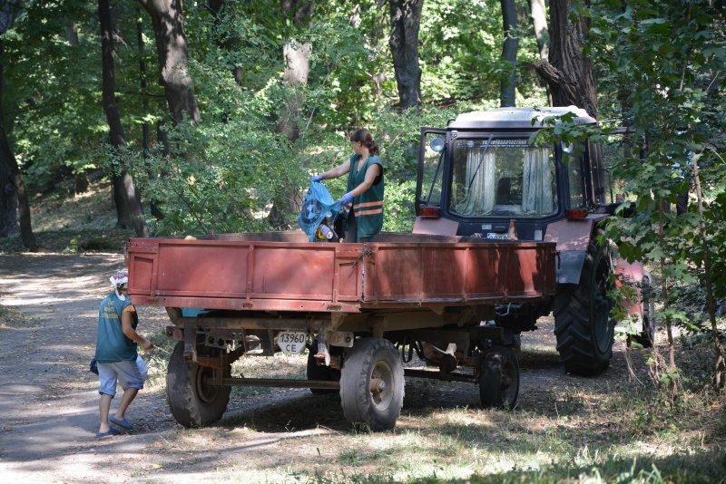 Парк Шіллера у Чернівцях забруднюють місцеві жителі, фото-2