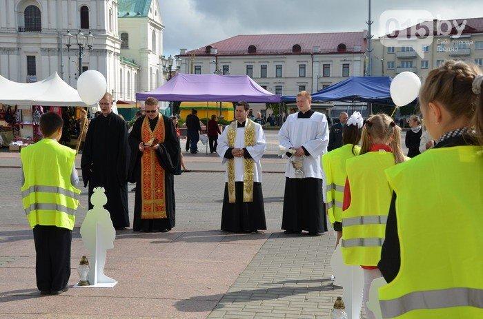 В центре Гродно почтят память детей, погибших в дорожных авариях (фото) - фото 2