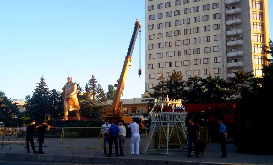 Под Одессой демонтируют самый символичный памятник Ленину (ФОТО) (фото) - фото 1