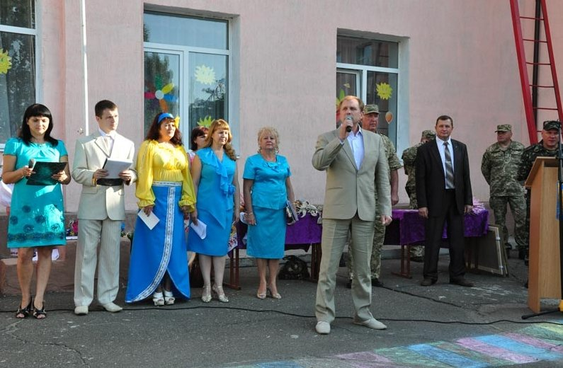 Славянской школе №6 подарили обновленный спортивный зал (фото) - фото 1