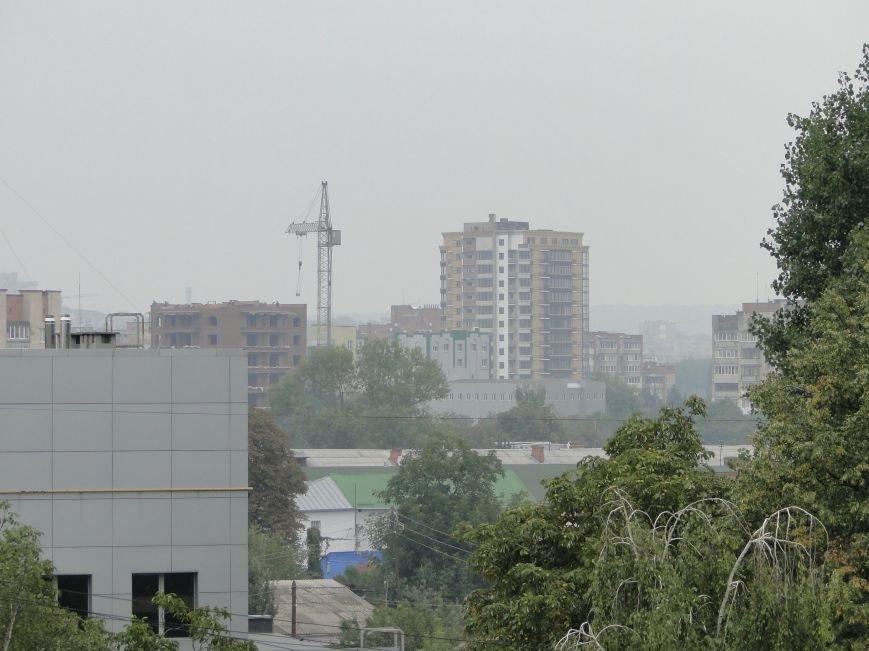 Над Хмельницьким шириться їдкий дим - горять торфовища (Фото) (фото) - фото 1