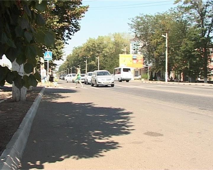 В Армавире водитель сбил 11-летнюю девочку на пешеходном переходе (фото) - фото 1