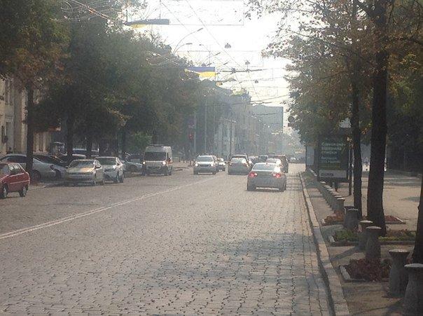 Харьков окутало дымом из-за пожара в Киеве (ФОТОФАКТ) (фото) - фото 1