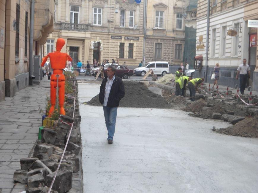 Як у Львові ремонтують вулицю Богомольця (ФОТО) (фото) - фото 2
