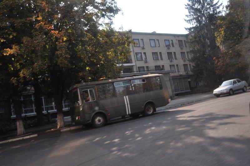 В Днепропетровске представители трех политпартий блокировали Дворец студентов (ФОТО), фото-1