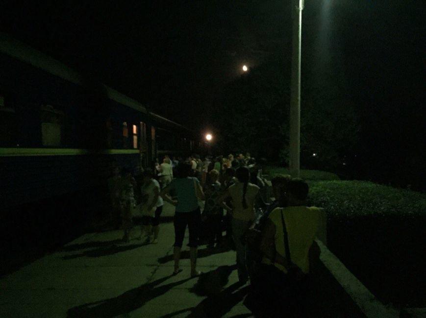 Поезд Запорожье-Одесса остановили из-за сигнала о минировании (ФОТО) (фото) - фото 2