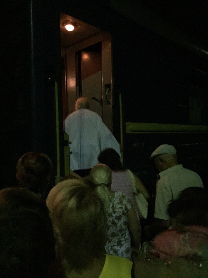 Поезд Запорожье-Одесса остановили из-за сигнала о минировании (ФОТО) (фото) - фото 5