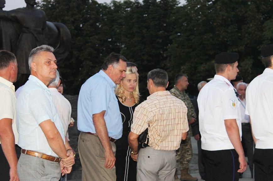 Мэру Кривого Рога Юрию Вилкулу, пришедшему на встречу бойцов 17-й танковой,  граждане скандировали  «Ганьба!» (ФОТО, ВИДЕО), фото-16