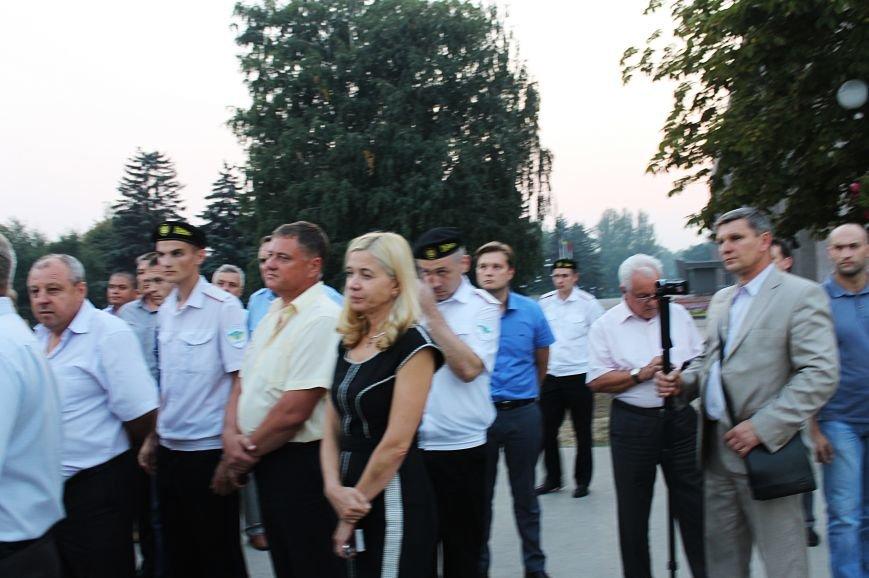 Мэру Кривого Рога Юрию Вилкулу, пришедшему на встречу бойцов 17-й танковой,  граждане скандировали  «Ганьба!» (ФОТО, ВИДЕО), фото-6