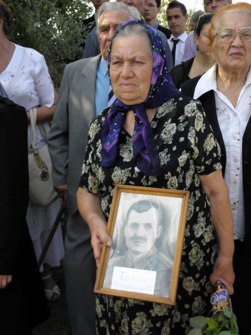 В Краматорске состоялось перезахоронение останков жителей Ясногорки, расстрелянных в годы войны (фото) - фото 8