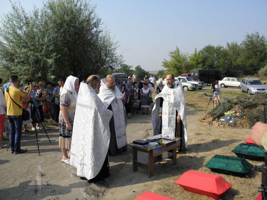 В Краматорске состоялось перезахоронение останков жителей Ясногорки, расстрелянных в годы войны (фото) - фото 9