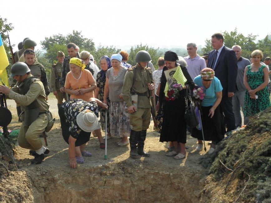 В Краматорске состоялось перезахоронение останков жителей Ясногорки, расстрелянных в годы войны (фото) - фото 11