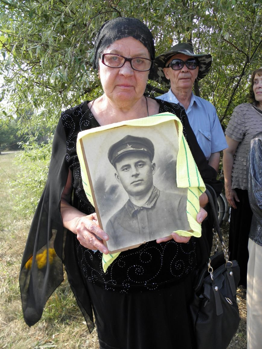 В Краматорске состоялось перезахоронение останков жителей Ясногорки, расстрелянных в годы войны (фото) - фото 7