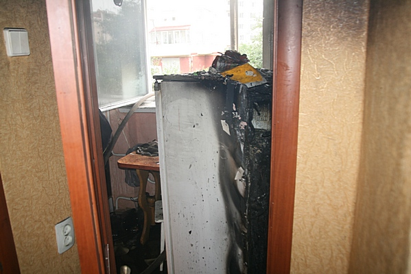 У Тернополі через пожежу на кухні з квартири евакуювали людей (фото) (фото) - фото 1